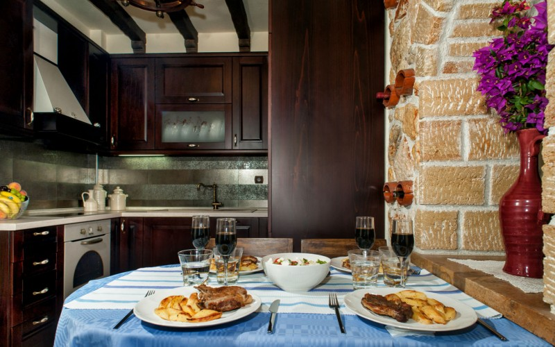 Luxury villa Pefkohori, Greek kitchen