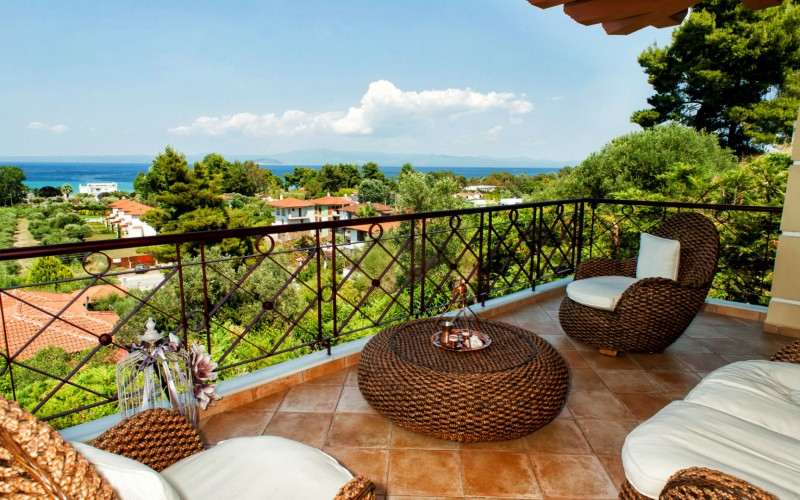 High-class villa for rent Pefkohori Chalkidiki