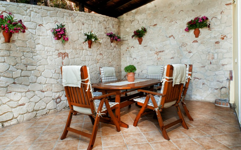 Pefkochori home for rent outdoor dining table