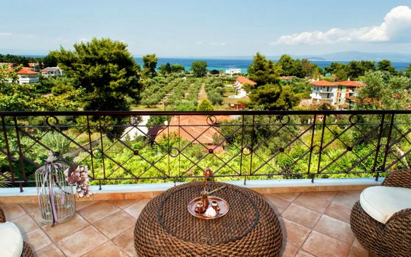 Pefkohori balcony seaview villa