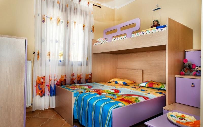 Rent villa in Greece, childrens bedroom