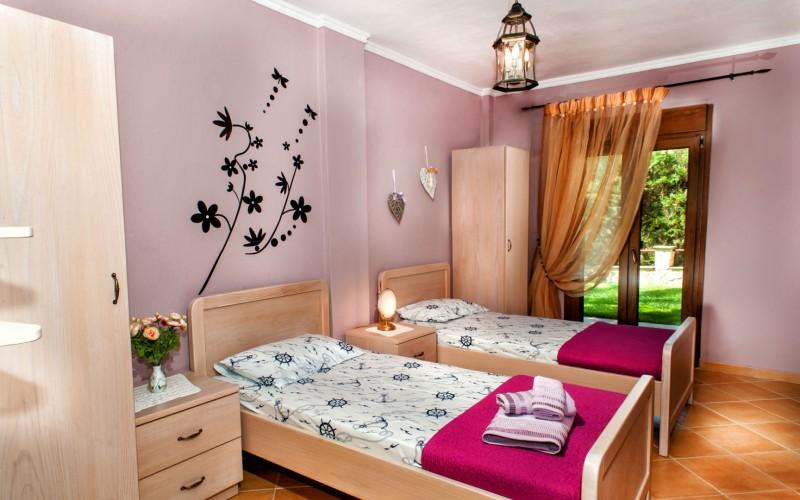 Rent Pefkochori four bedroom villa